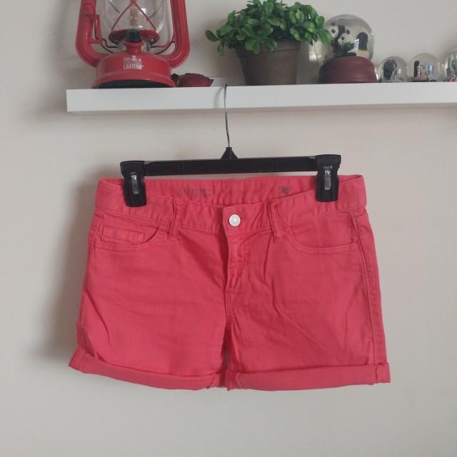 Tommy Hilfiger salmon shorts