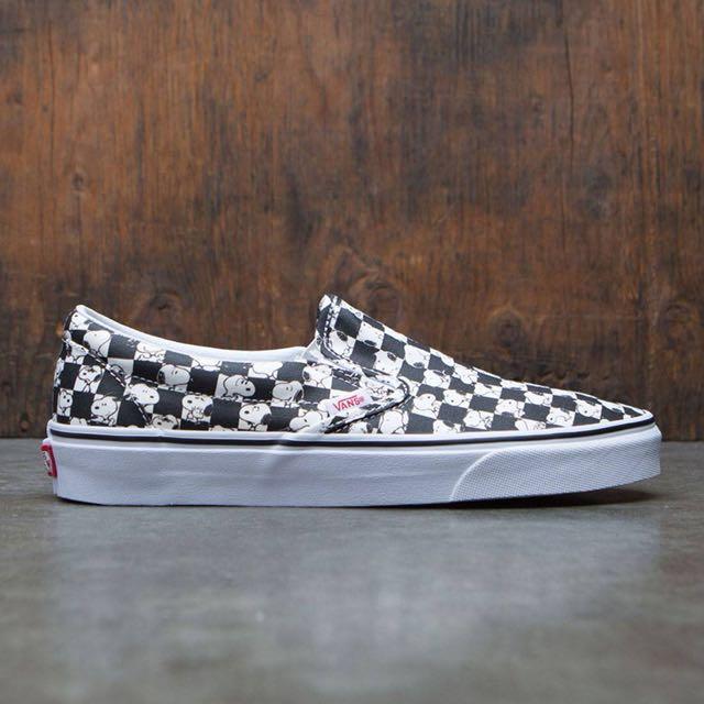 28260526c2 Vans X Peanuts Classic Slip On