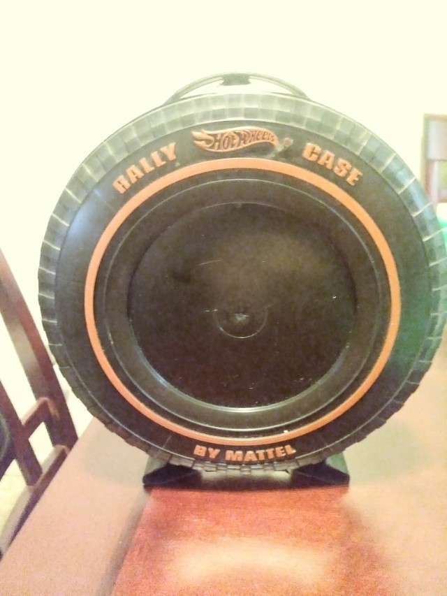 VINTAGE 1967 HOTWHEELS REDLINE TIRE CAR RALLY CASE FITS 12 CARS