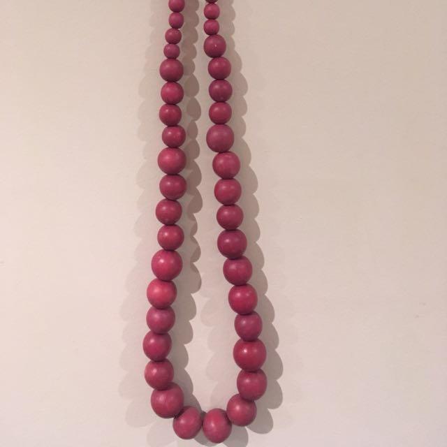 Wooden necklace - purple