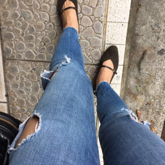 ZARA合身窄管牛仔褲