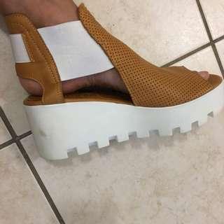 Size platform shoes