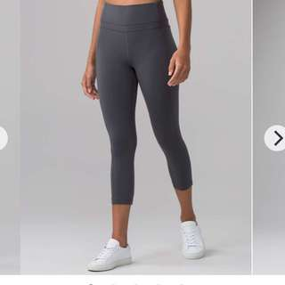 Lululemon Black Pushing Limits Crop 6