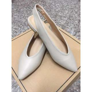 杏色米妮鞋