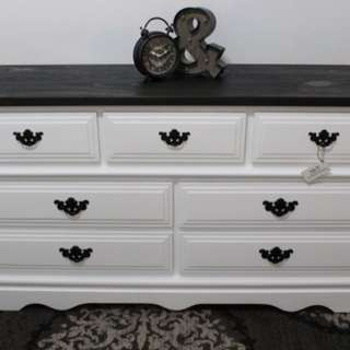 BEAUTIFUL SOLID WOOD DRESSER (NEWLY REFINISHED)