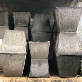 Square concrete planter / pot (small)