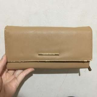 [DEFECT] Karen & Chloe Original Clutch