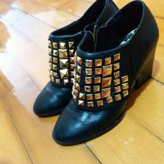Genuine leather ankle boots 38