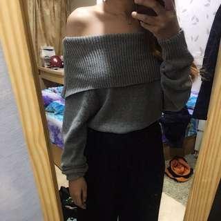 🚚 灰色平口針織上衣
