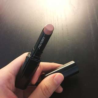 Shiseido Veiled rouge BE301