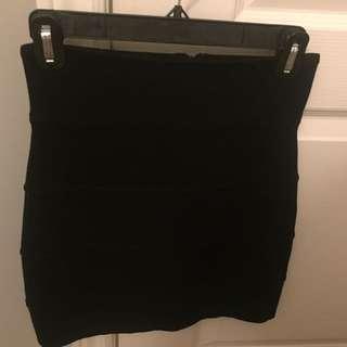 Aritzia talula skirt size 4 black