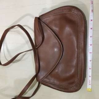 Bandolino sling bag