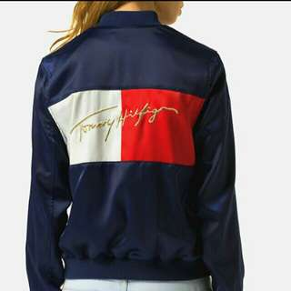 🚚 降Tommy Hilfiger 全新正品 女金線刺繡飛行外套