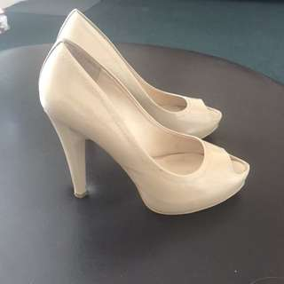 Wittner beige heels, shoes, size 7