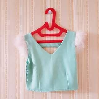 Baju atasan green bulu..LD 40cm. Panjang 36cm