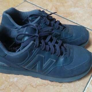 NB Dark grey