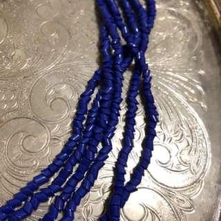 藍色珠串項鍊