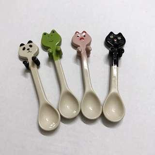🚚 創意 卡通 動物 可愛 陶瓷 可掛 湯勺 湯匙 咖啡勺子 攪拌 勺子 貓咪 熊貓 青蛙 豬 zakka 雜貨 全新 出清