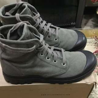 AUTHENTIC! Palladium PAMPA HI