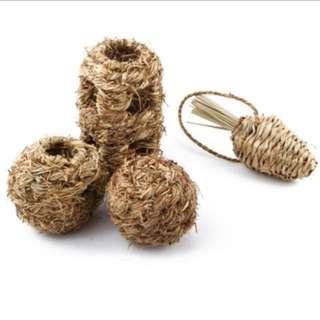 Pet hay ball
