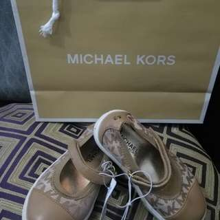 AUTHENTIC MK SHOES Repriced to 1500