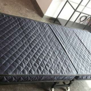 Folderable Bed with rollers (New)