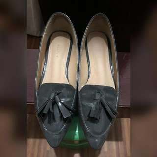 Parisian Tassel Shoes- Size 6