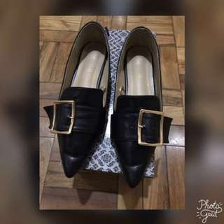 Parisian Flat Shoes- Size 6