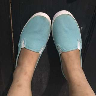 Sepatu Keds Authentic
