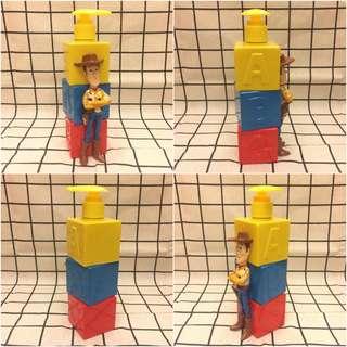🚚 CR Lifestyle 胡迪壓頭空瓶 維尼車 喬治猴 小猴子 迪士尼 可活動公仔 可活動模型 空瓶 罐裝容器