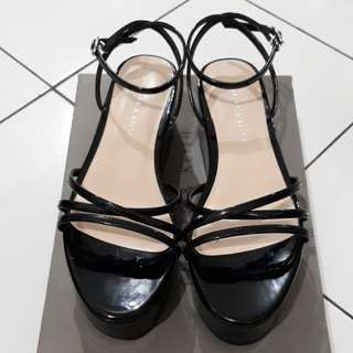 CnK Black Wedges