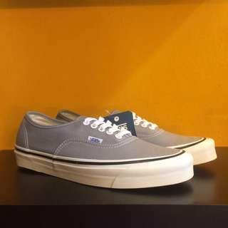 Vans Auth Anaheim DX 44 light grey
