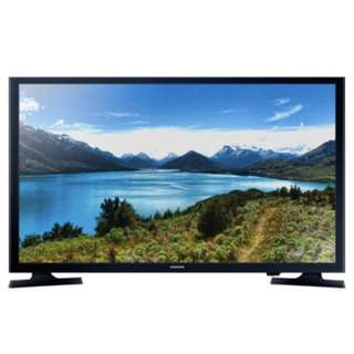 Rarely used Samsung 32 in. HD Ready Smart TV with free wall bracket