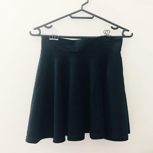 黑色短圓裙
