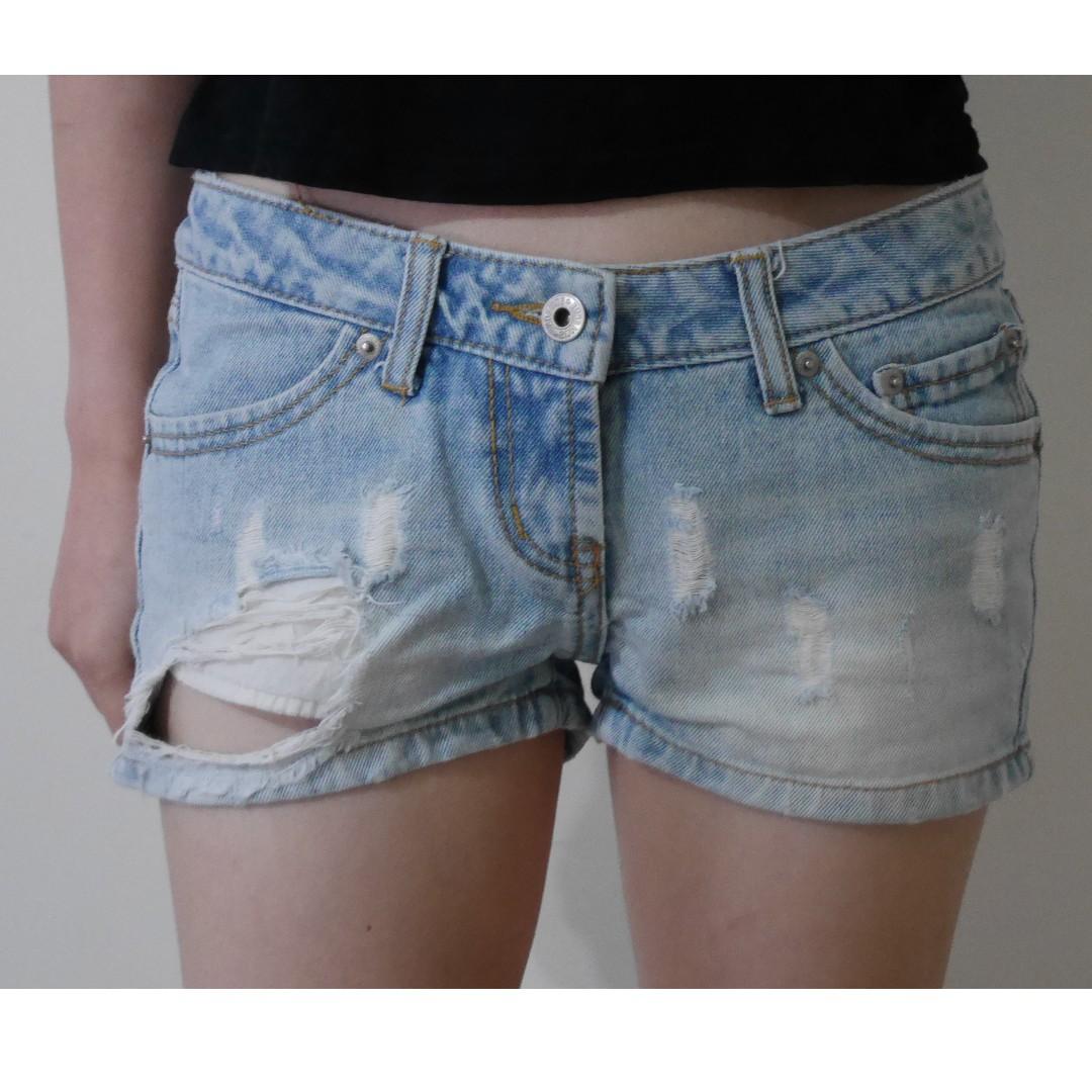淺藍單寧破洞短褲
