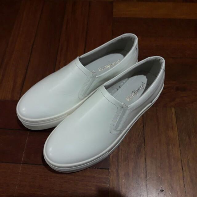 全新真皮白鞋