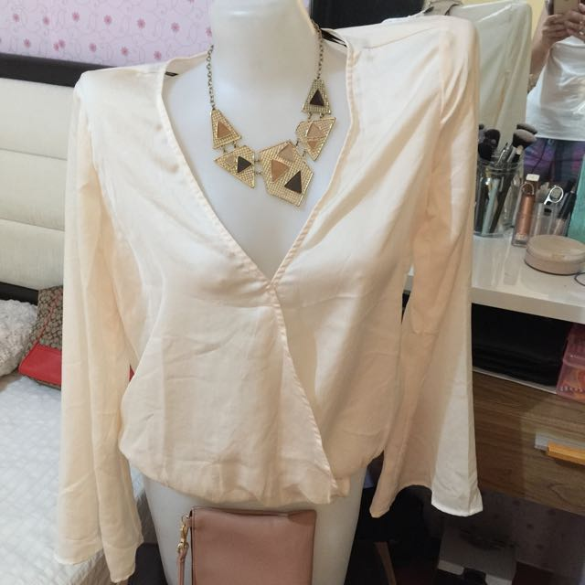 Authentic Forever21 white long sleeves