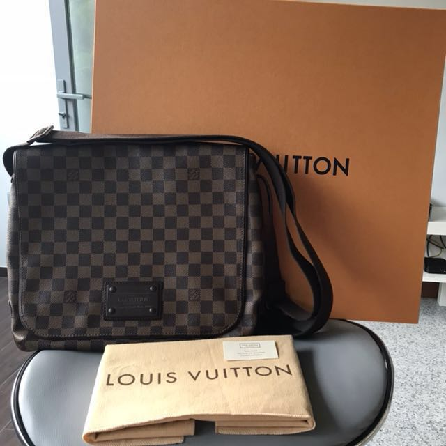 8ddff50339d8 Authentic Louis Vuitton Brooklyn MM Damier Ebene Messenger Bag ...