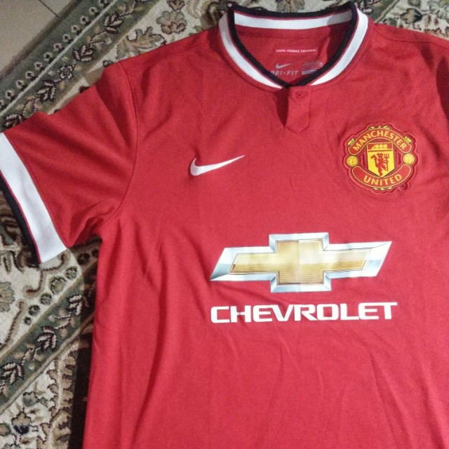Authentic Manchester United Jersey size M