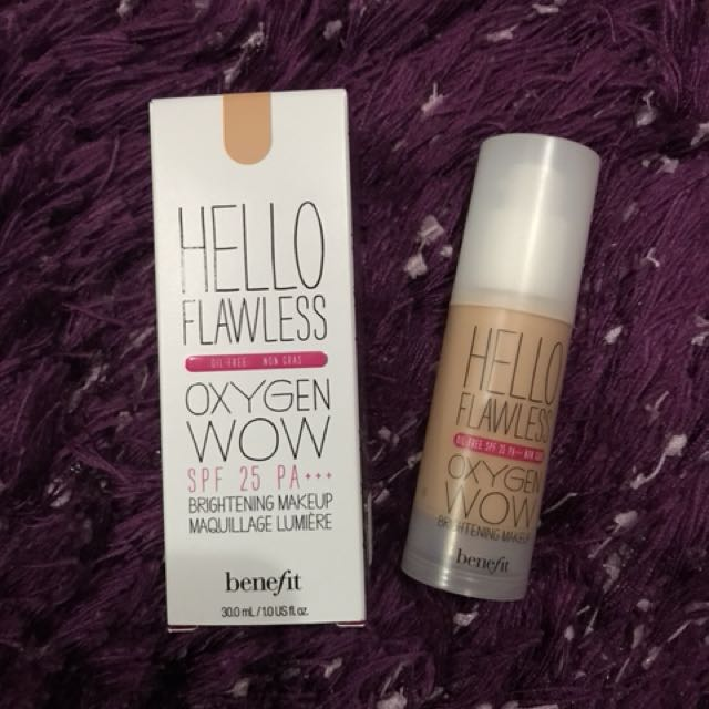"Benefit Hello Flawless Foundation ""Petal"""