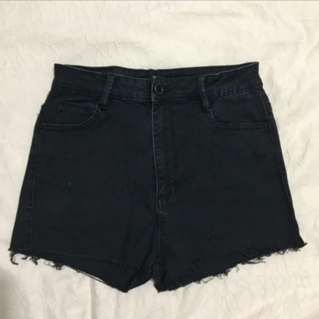 933d7df4a3 Bershka black High Waisted Shorts, Women's Fashion, Clothes, Pants, Jeans &  Shorts on Carousell