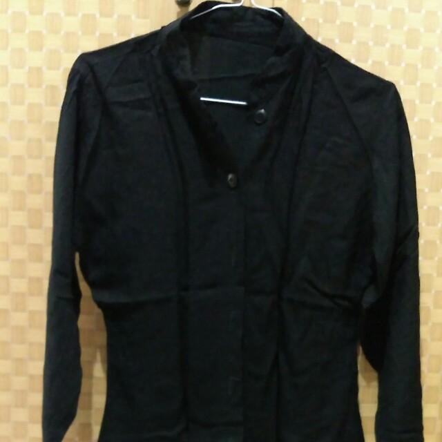 blouse hitam no brand