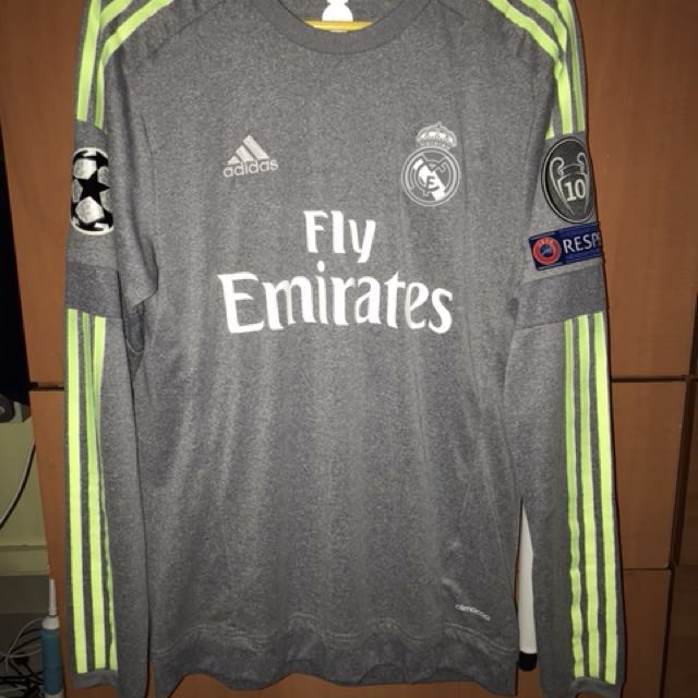 buy popular ceeb7 a8782 BNWT Real Madrid away 15/16 full patch Ronaldo size S ...