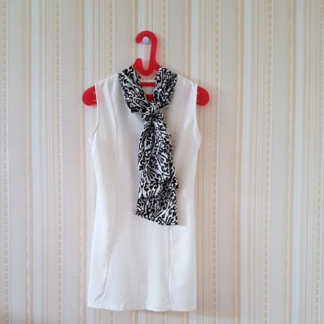 Dress putih syal LD 41cm. Panjang 75cm