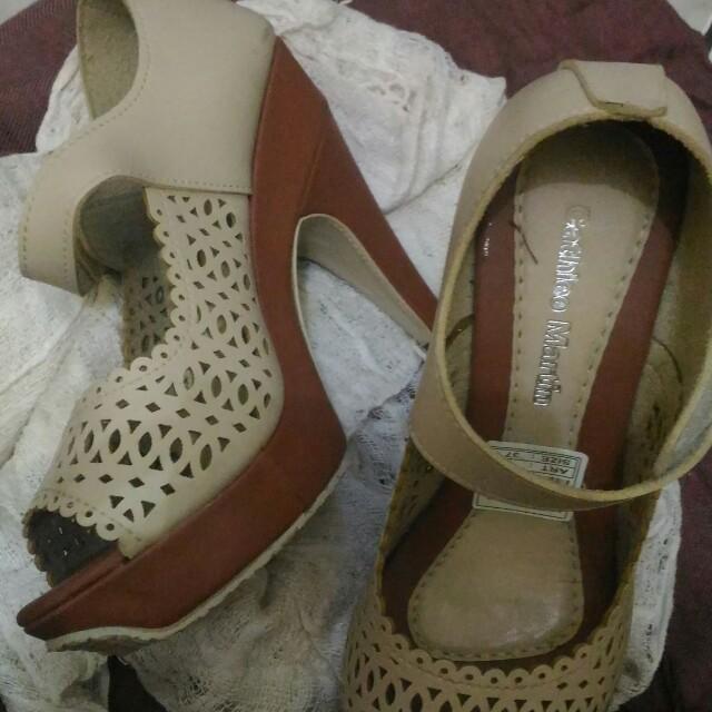 High heels 👠  Cathiee martin