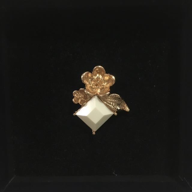 Karen Walker Flower Ring
