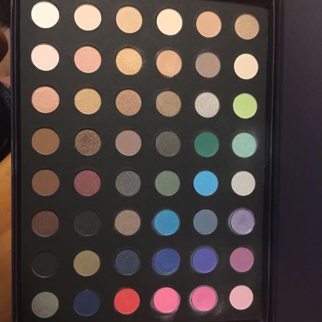 Kit eyeshadow palette