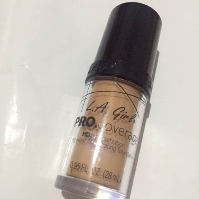 LA Girl PRO Coverage Foundation Warm Beige