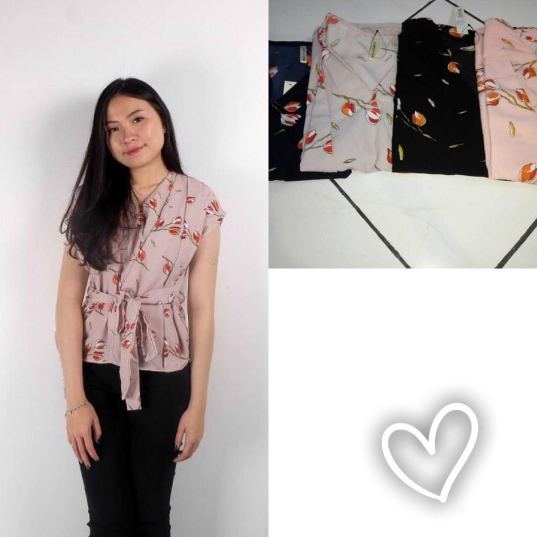 Laura Flower Kimono