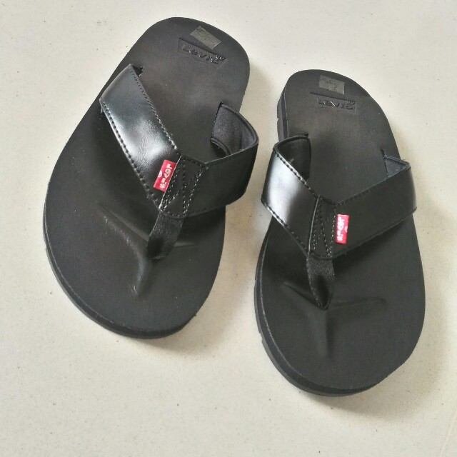 a6dc1156a320 Levi s slippers size 9 (42 European)